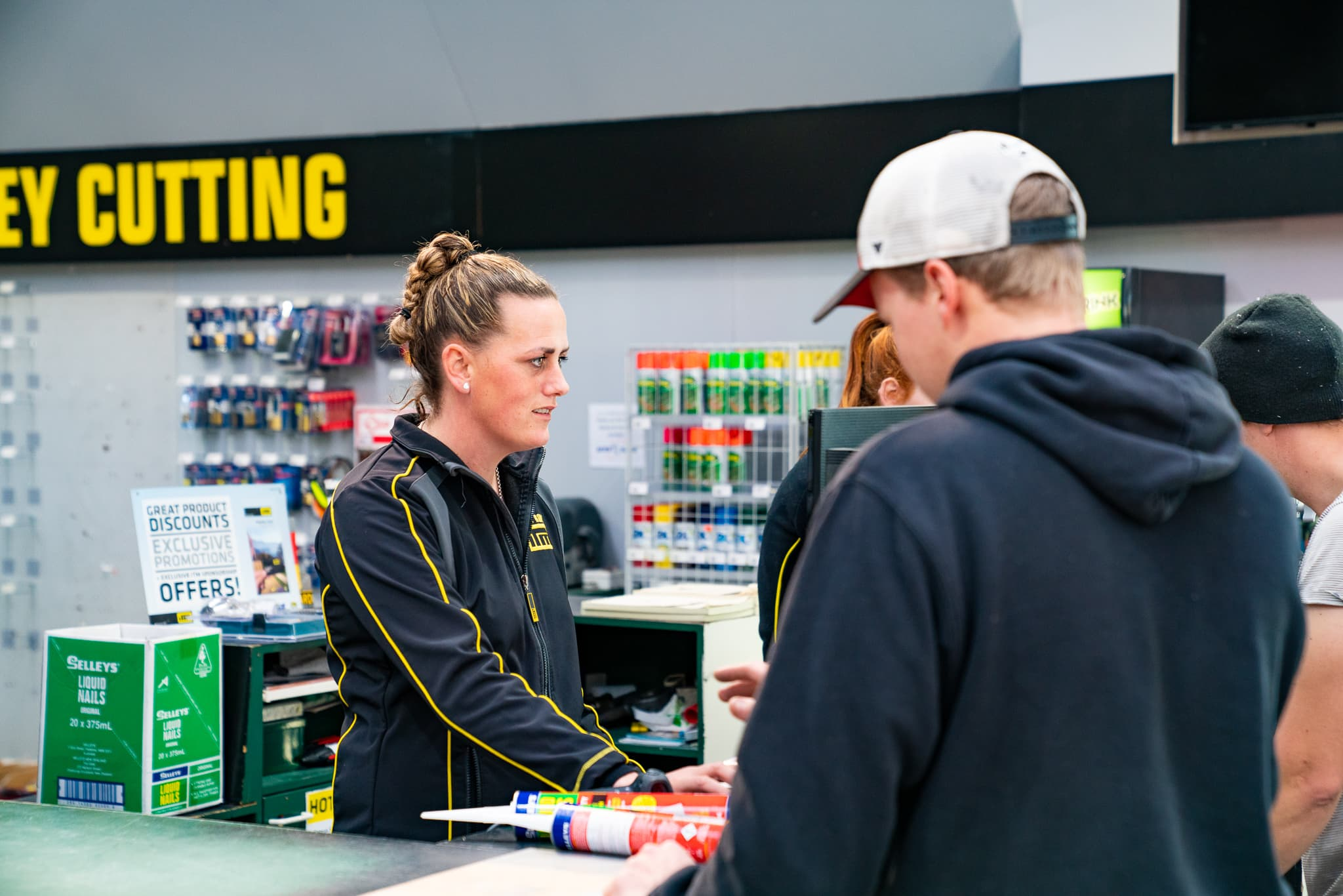 The team at Dyers Road ITM are friendly and happy to help you with your Trade & DIY questions